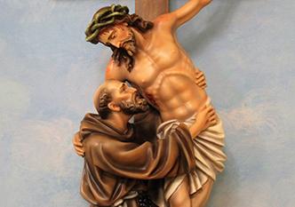 Diante do Cruxifixo