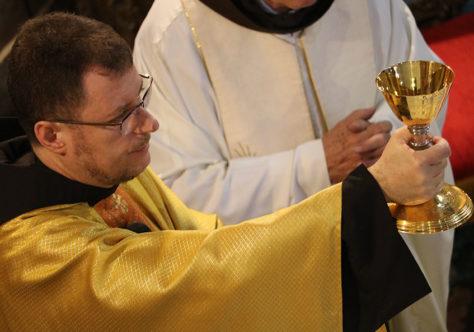 """Frei César: """"Precisamos ter uma vida como a de Santo Antônio"""""""