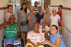 Recanto Paz e Bem recebe doações de fraldas geriátricas