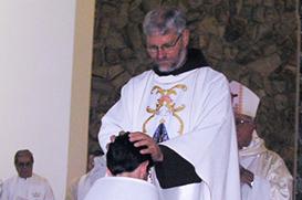 Muita emoção e alegria na ordenação de Frei André