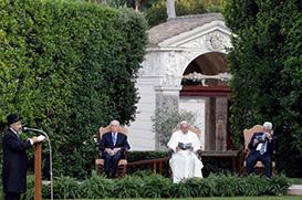 Momento histórico no encontro pela paz no Vaticano