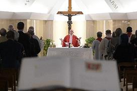 Papa: A cruz nos ensina a não temer as derrotas
