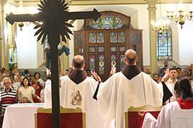 Franciscanos: sinal de esperança diante da 'lepra' do mundo