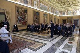 Papa Francisco: ouvir e caminhar com os migrantes
