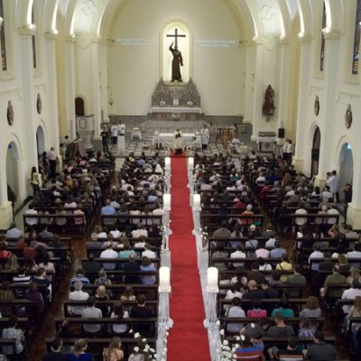 Igreja da Vila Clementino lota para celebrar Santa Clara