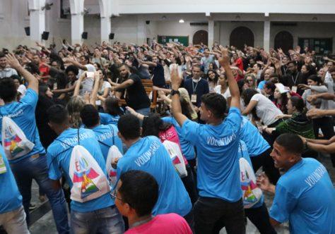 Alegria do encontro: acolhida e entusiasmo marcam primeiro dia do ENFJ