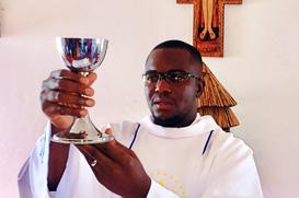 Frei Ermelindo celebra Primeira Missa
