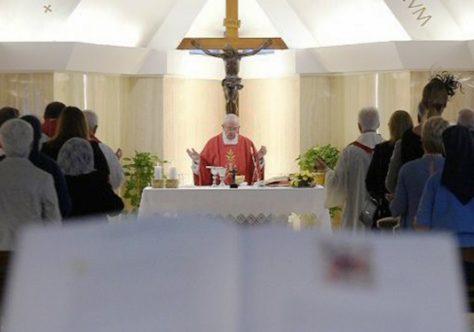 Papa: O mundo contemporâneo é 'um mundo de escravos'
