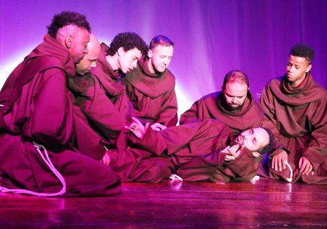 Novo musical de Francisco de Assis surpreende na estreia