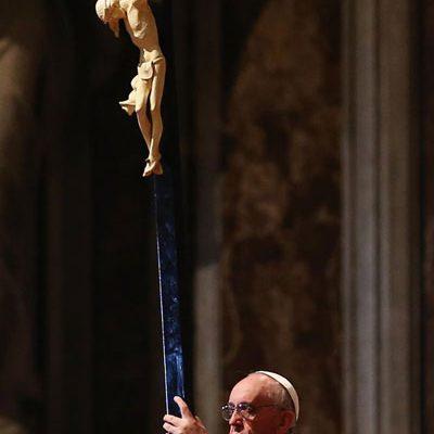 Papa preside celebração da Paixão do Senhor