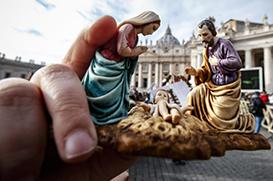 """Angelus: """"Família, um tesouro a ser protegido e defendido"""""""