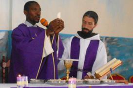 Frei João Baptista celebra Primeira Missa em Angola