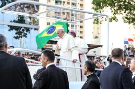 Papa tem agenda cheia no Panamá