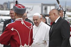 """Papa chega à Bulgária, """"sempre pacífica, acolhedora, próspera e feliz!"""""""