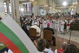 Papa despede-se da Bulgária: sejam um canteiro de obras de esperança