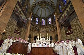Papa em Bucareste: Maria caminha e convida-nos a caminhar juntos