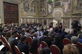 Papa: Falta de alimento se combate com compaixão e vontade política