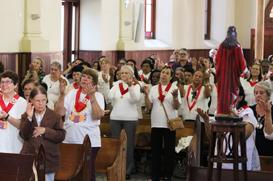 Fraternidade e Paróquia do Sagrado celebram seu Padroeiro