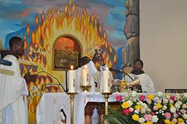 Angola: Frades celebram Santa Clara com as Irmãs Clarissas em Palanca