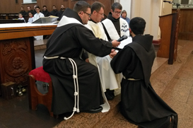 Frei César pede a Frei Éverton: seja instrumento eficaz do amor misericordioso do Pai!