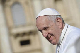 Papa: Quando um diácono gosta muito de ir para o altar, ele está errado