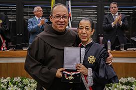 Sefras recebe comenda da Ordem do Mérito Judiciário do Trabalho