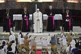 """Papa: """"O sacerdote é o mais pobre dos homens se Jesus não o enriquece com a sua pobreza"""""""