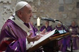 """""""O lugar do cristão está nas mãos de Deus, chagadas de amor"""", diz Papa nas Catacumbas de Priscila"""