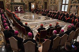 Papa: Cúria muda para servir melhor a humanidade