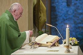 Papa: deslizar no mundanismo é a lenta apostasia do coração