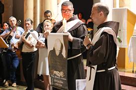 """Frei Alisson: """"São Francisco é nosso 'aplicativo' que leva a Jesus"""""""