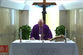 O Papa na Missa reza pelas famílias trancadas em casa com as crianças