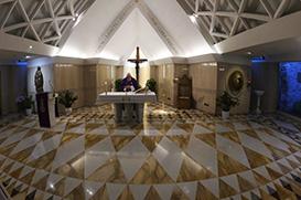 Papa reza pelos sem-teto: sejam ajudados pela sociedade, a Igreja os acolha!