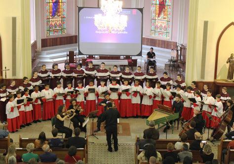 Páscoa é celebrada com concerto dos Canarinhos pela internet