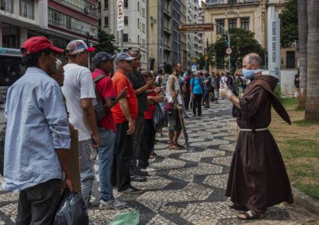 Sefras: veja como fazer doações para ajudar população em situação de rua