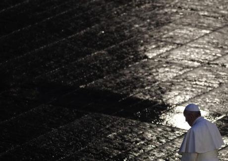 Epidemias, quarentenas, igrejas vazias: precedentes na história