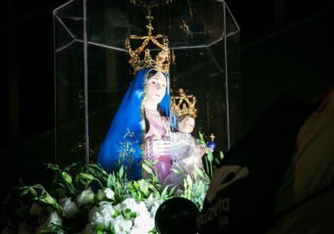 Nossa Senhora da Penha vai até o povo em 4 horas de devoção e fé