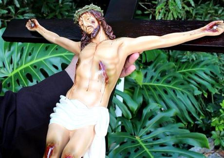 """Reze a """"Via-sacra com Francisco"""" na TvFranciscanos"""