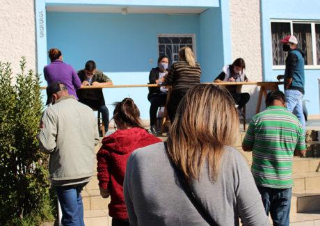 Em Lages, mutirão ajuda mais de 200 pessoas a receber o Auxílio Emergencial