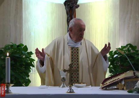 Papa reza pelos artistas: sem o belo não se pode compreender o Evangelho