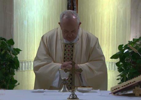 Papa: Deus nos defenda do mundanismo espiritual que corrompe a Igreja