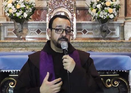 """Frei Alessandro: """"Não deixe a tristeza dominar o seu coração!"""""""