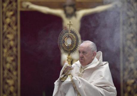 Papa: com Jesus, podemos nos imunizar contra a tristeza
