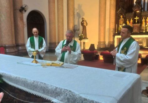 Festa de São Pedro Apóstolo: 2º dia do Tríduo tem doações para Campanha do Agasalho em Gaspar