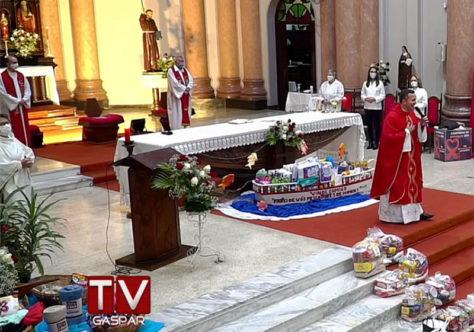 Missa presencial encerra o Tríduo da 170ª Festa de São Pedro em Gaspar