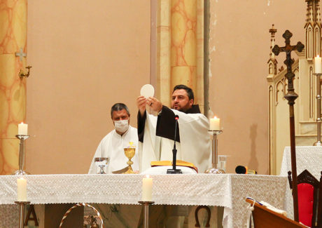 Solenidade de Corpus Christi é celebrada na Paróquia São Luiz Gonzaga