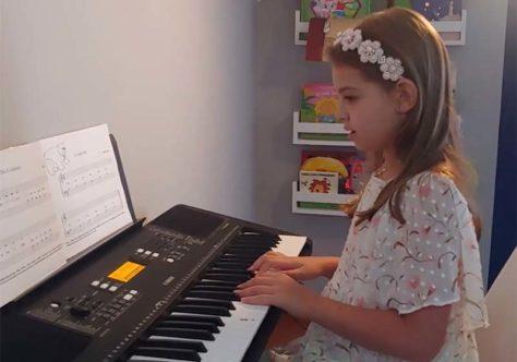 Recital on-line dos Canarinhos de Petrópolis