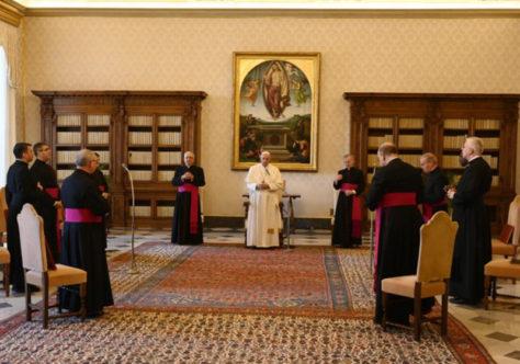Papa recorda as feridas da pandemia e convida a olhar para Jesus