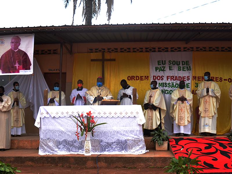 [Angola celebra com festa os 30 anos da Missão]