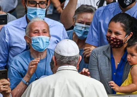Papa: solidariedade é o caminho para sairmos melhores da crise